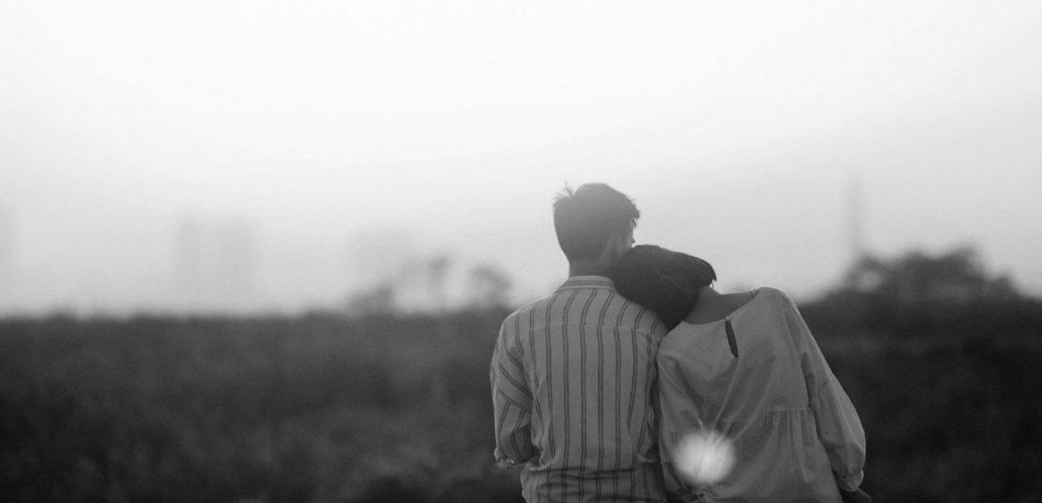 Bebeklikten Yetişkinliğe: Bağlanmak Nedir?
