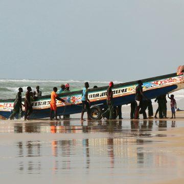 En Batı Afrika-Okyanusta Balık