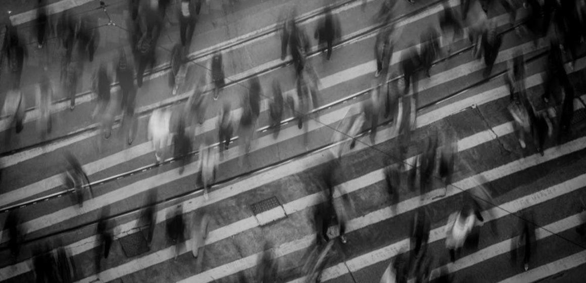 Beni Sizler Var Ettiniz: Toplum Etkisinde Birey