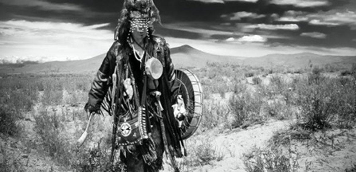 Şamanların Enteresan Giysisi: Manyak